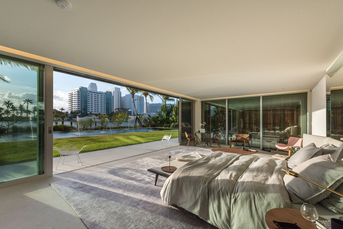 A Luxury Miami Beach Home With Pools, Natural Lagoons, And A Rooftop Garden images 21