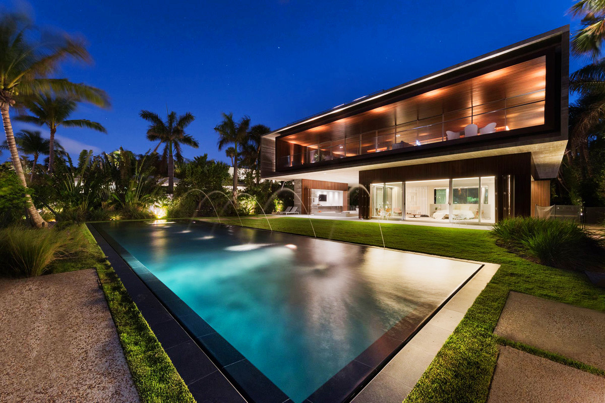 A luxury miami beach home with pools natural lagoons and for Luxury house pool