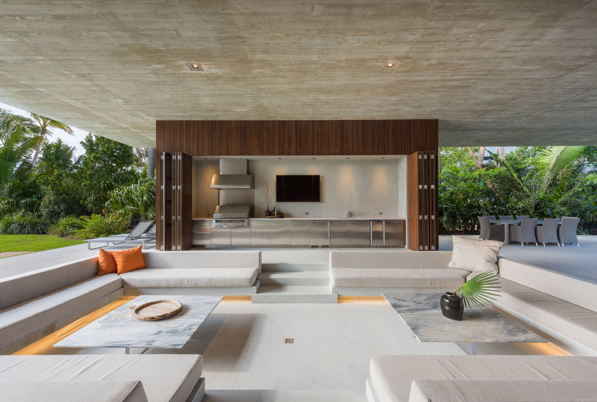 A Luxury Miami Beach Home With Pools, Natural Lagoons, And A Rooftop Garden images 11