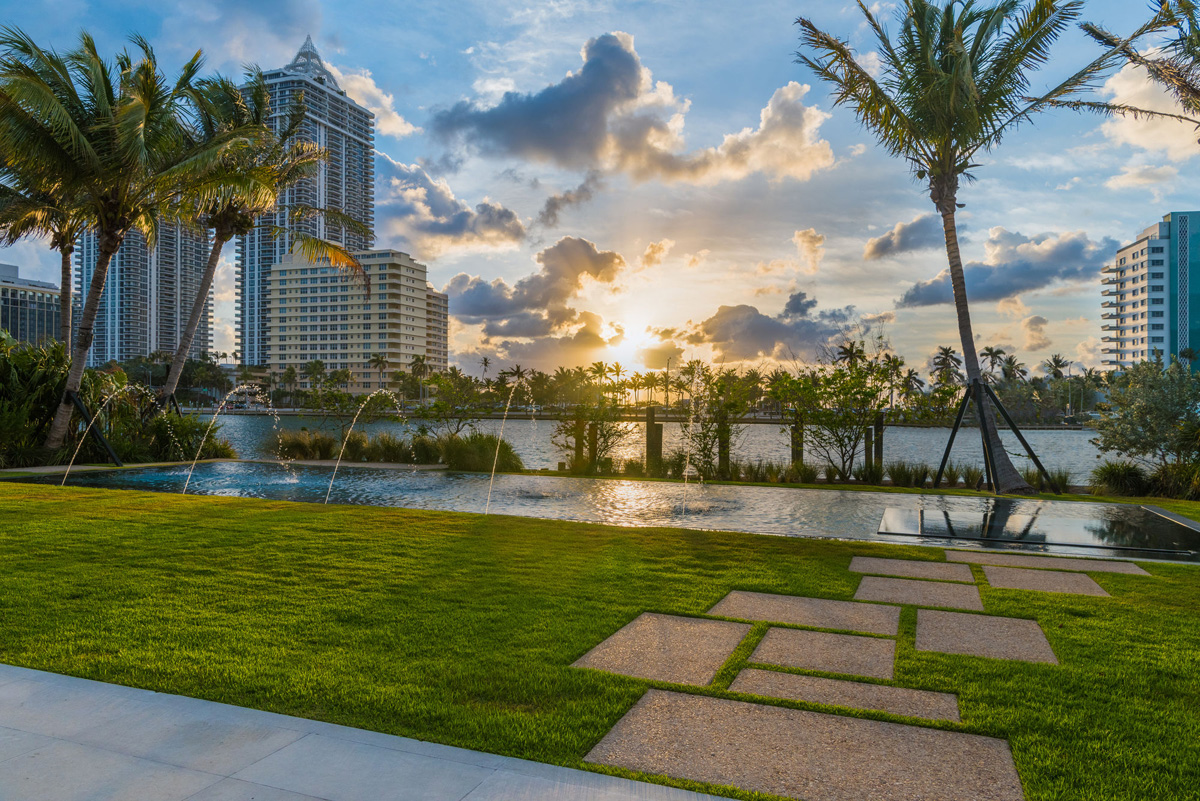 A Luxury Miami Beach Home With Pools, Natural Lagoons, And A Rooftop Garden images 31