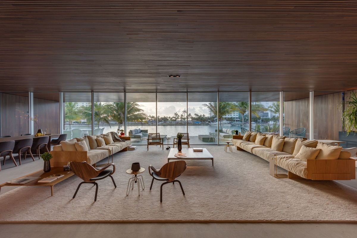 A Luxury Miami Beach Home With Pools, Natural Lagoons, And A Rooftop Garden images 15