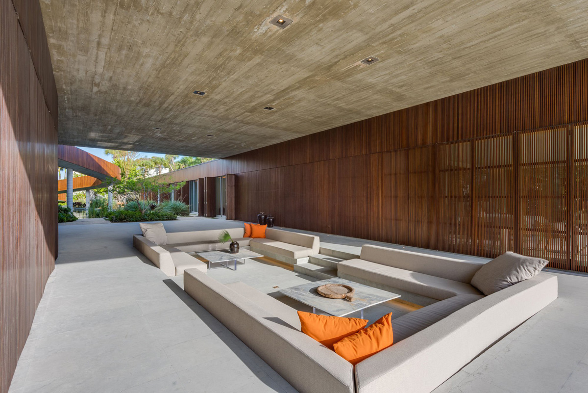A Luxury Miami Beach Home With Pools, Natural Lagoons, And A Rooftop Garden images 8