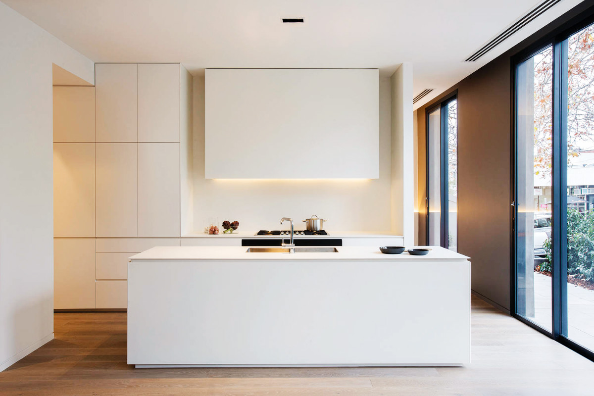 35 source paul m this minimalist kitchen