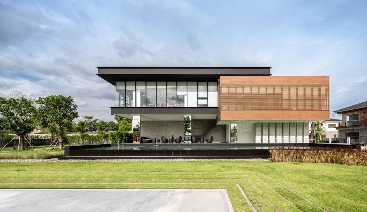 A sprawling modern home in bangkok A sprawling modern home in bangkok