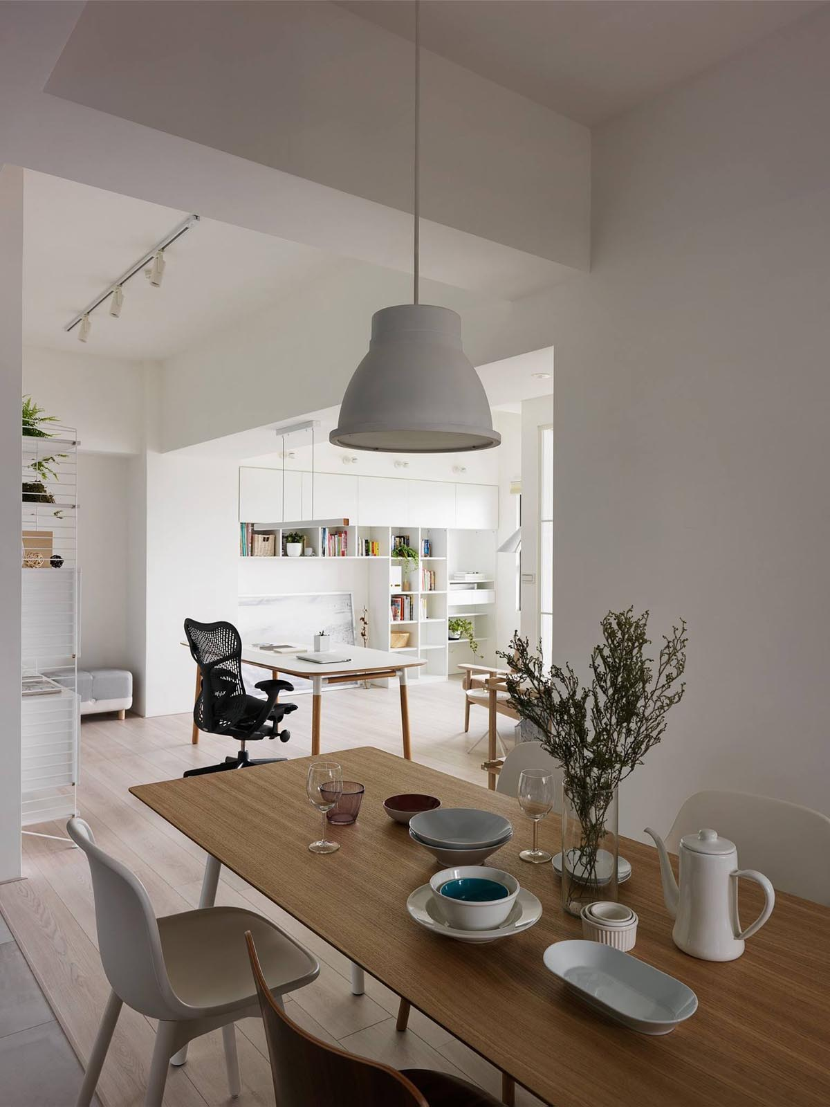 Completely White Apartment With Dominant Central Home Office images 13