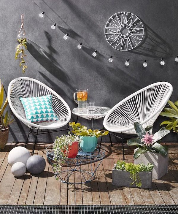 51 Modern Outdoor Chairs To Elevate Views of Your Patio & Garden