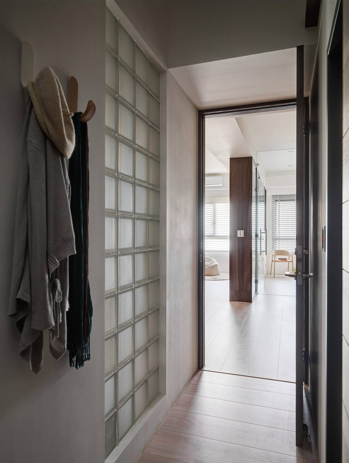 Contemporary Foyer Jobs : A soothing earthy color scheme for bedroom home with