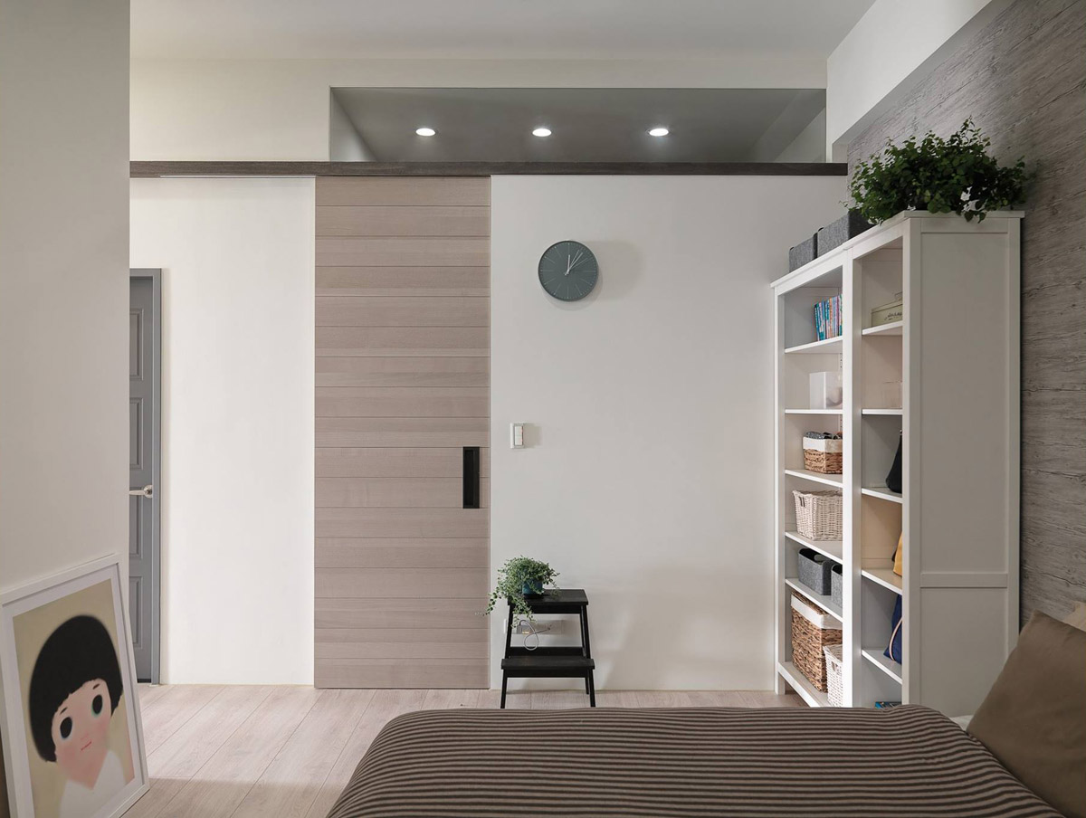 A Soothing, Earthy Color Scheme for a 3 Bedroom Home With Study [Includes Floor Plans] images 15