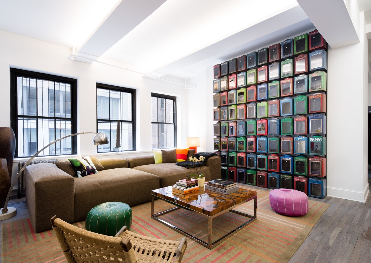 Living Rooms With Brown Sofas: Tips And Inspiration For Decorating Them images 25