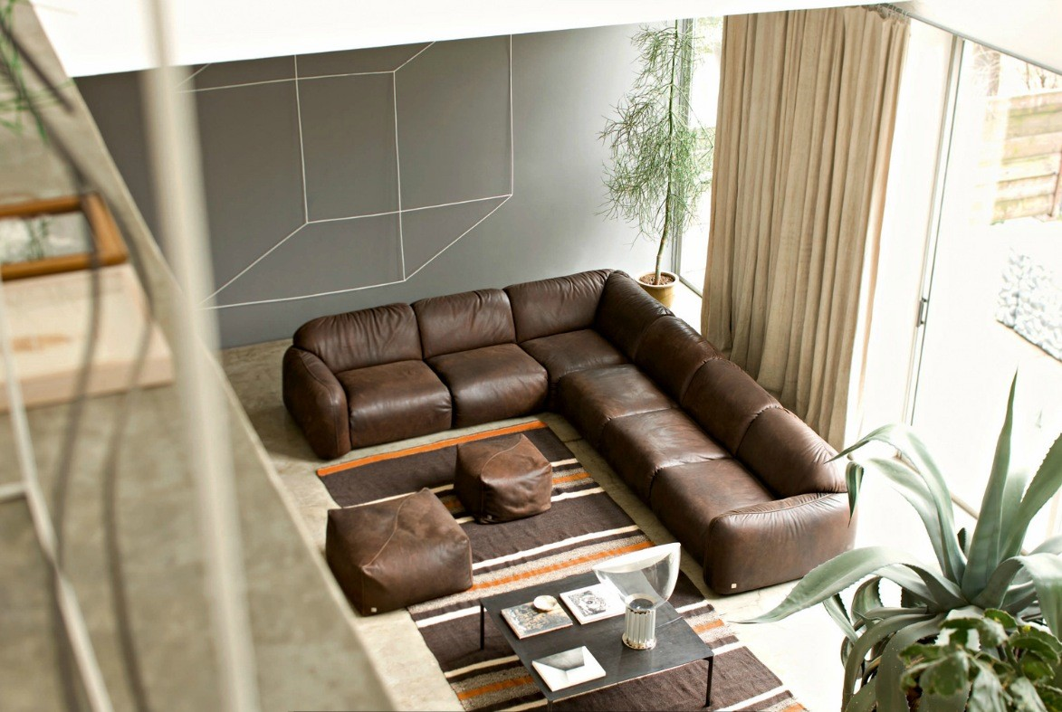 Living Room Decorating Ideas With Brown Leather Sofa living rooms with brown sofas: tips & inspiration for decorating them