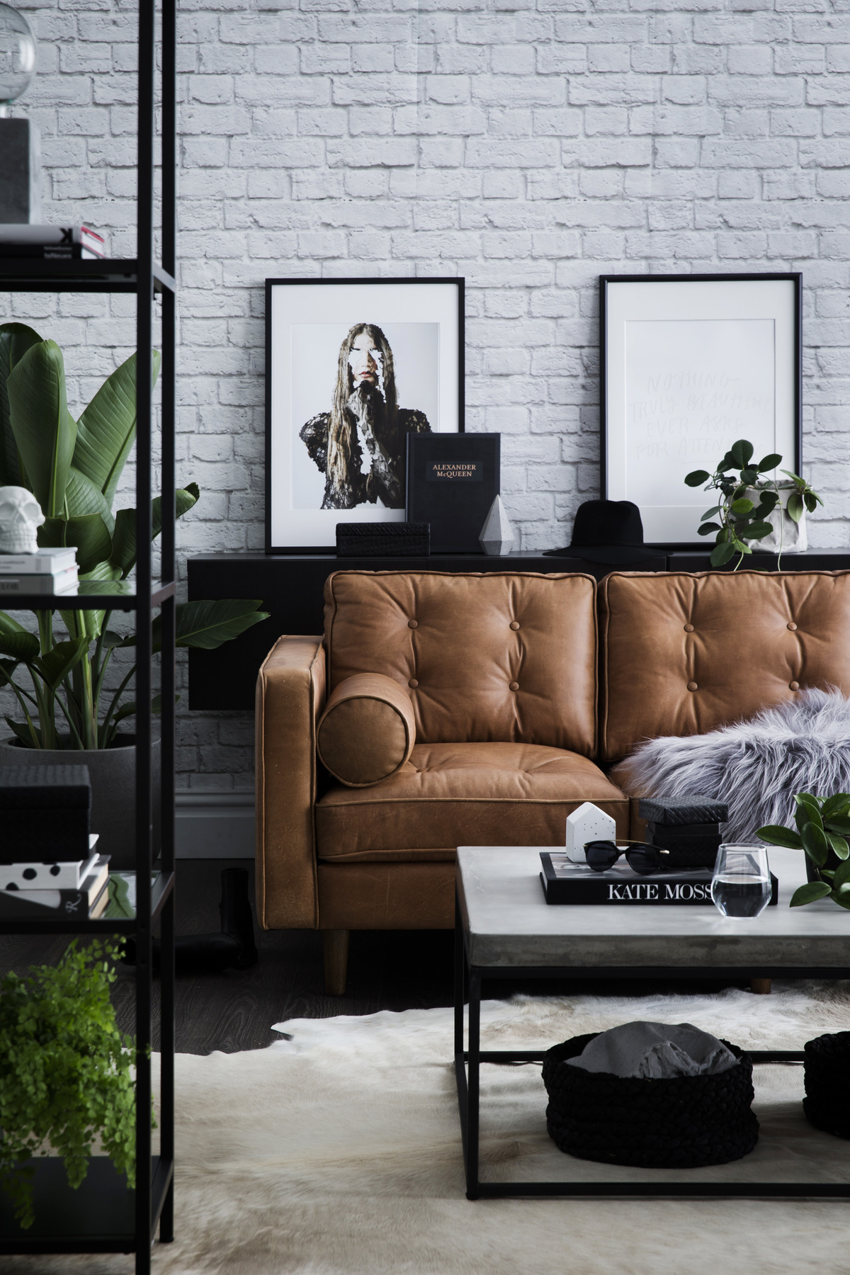 Living Rooms With Brown Sofas: Tips And Inspiration For Decorating Them images 17