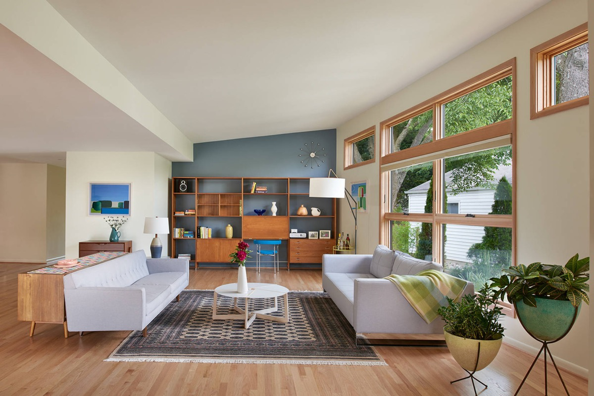 Detailed Guide & Inspiration For Designing A Mid-Century Modern Living Room images 13