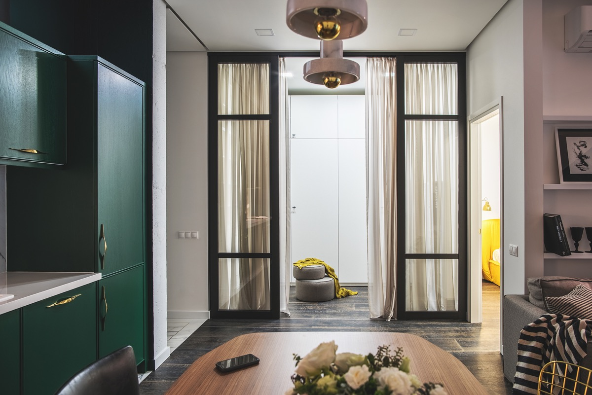 Green and Gold Interior With Modern Eclectic Vibe [Includes Floor Plans] images 8