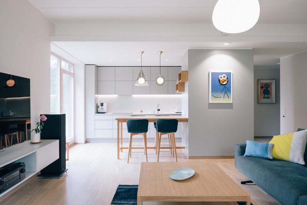 Minimalist home with blue and yellow accents for Minimalist living house