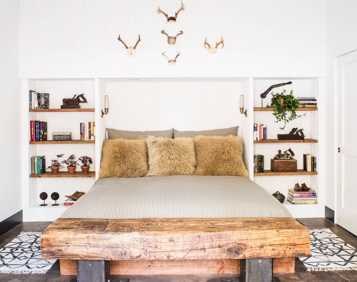 Rustic Bedrooms: Guide And Inspiration For Designing Them images 28