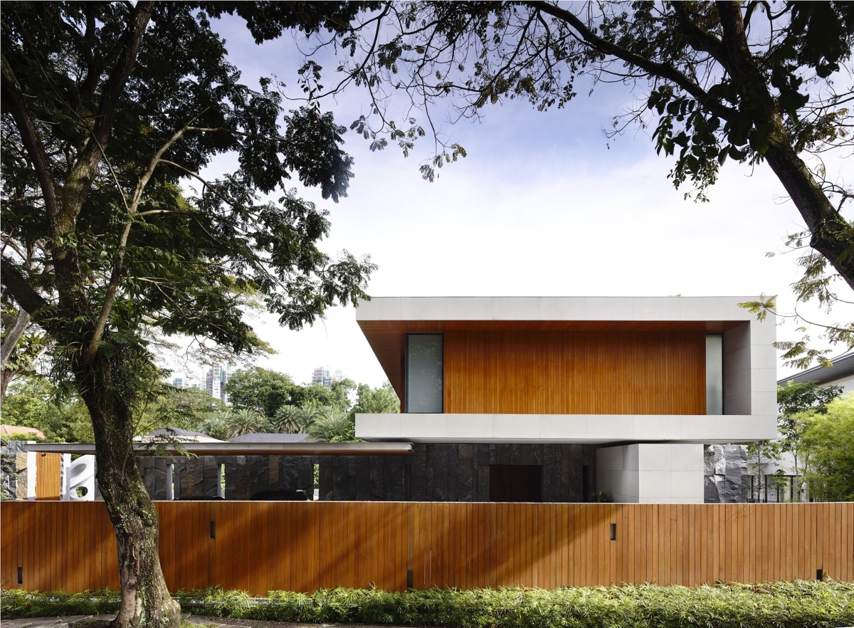 The Contemporary Home Of A Majestic Pre-War Rain Tree images 2