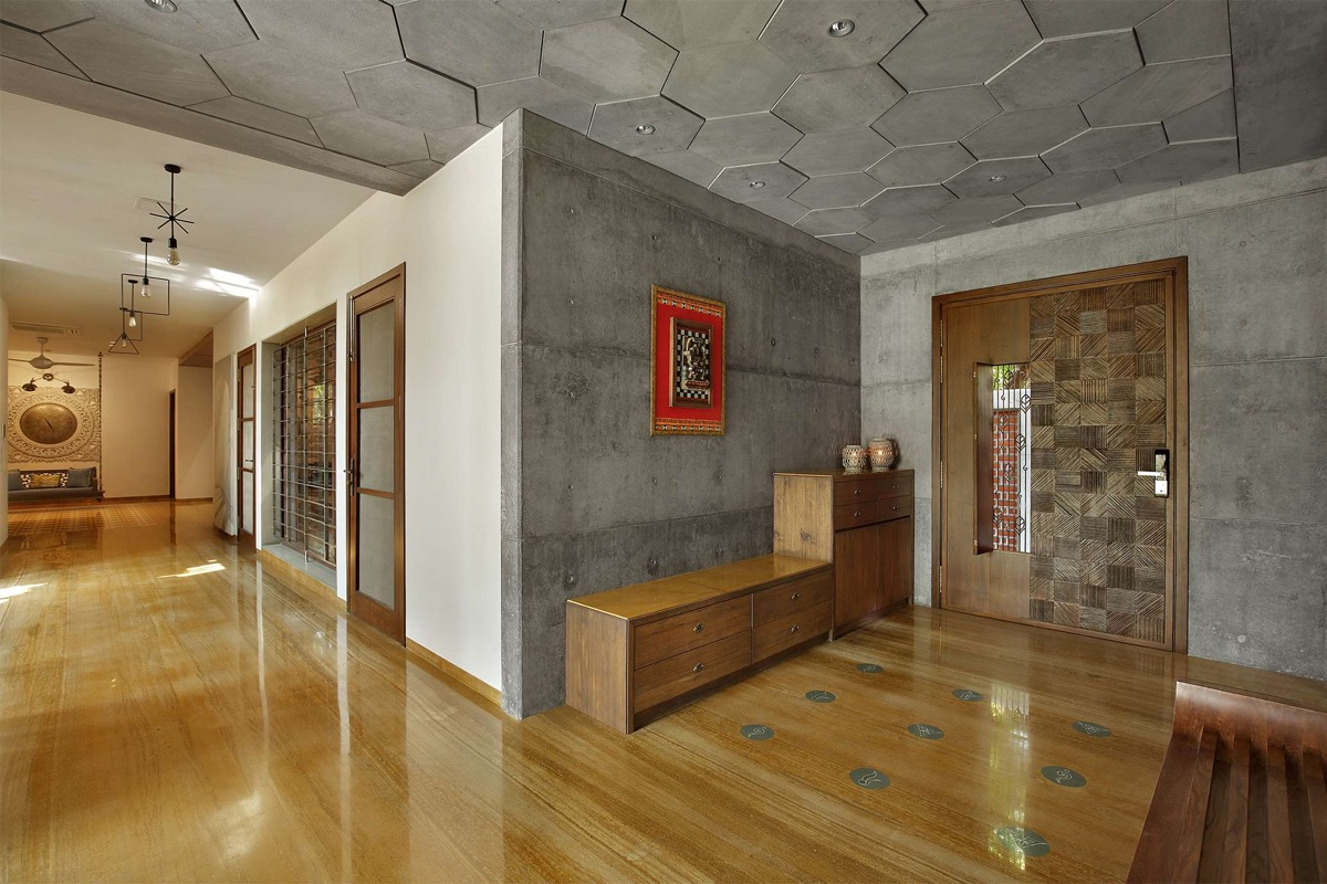 A Colour Rich Indian Home With Concrete Architecture And Interiors images 4