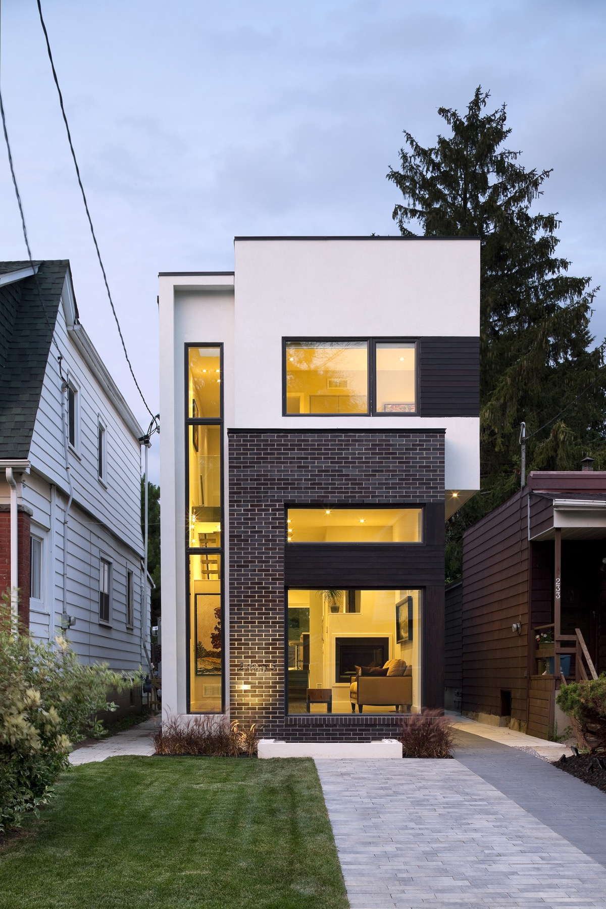 50 Narrow Lot Houses That Transform A Skinny Exterior Into Something Special images 46