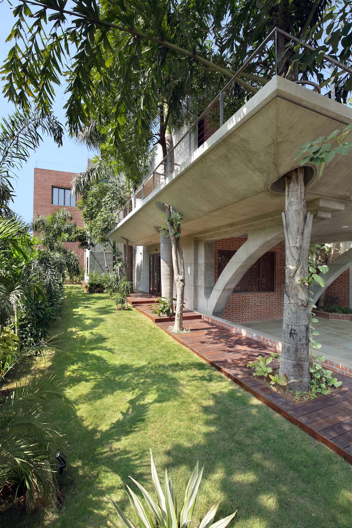A Colour Rich Indian Home With Concrete Architecture And Interiors images 2
