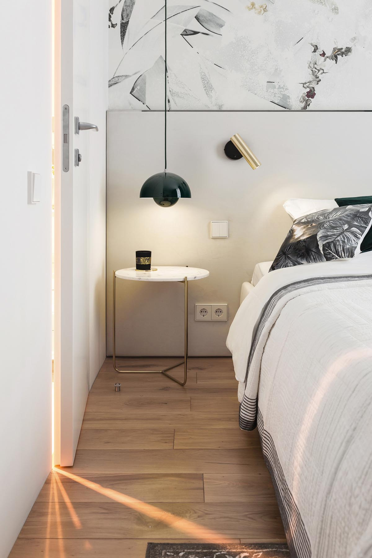 4 Small Space Apartments That Use Clever Ways To Maximize Space images 26