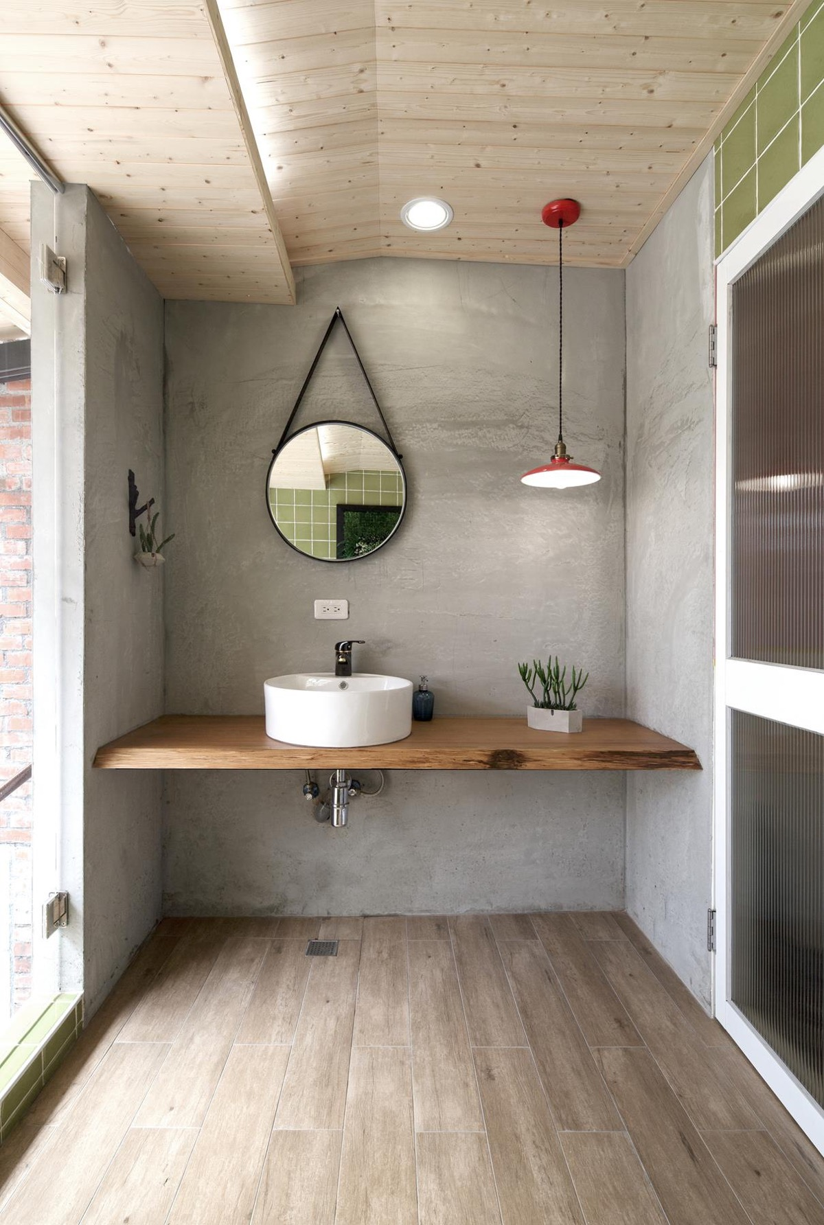 51 Industrial Style Bathrooms Plus Ideas & Accessories You Can Copy From Them images 49