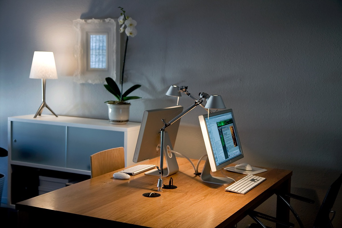37 Minimalist Home Offices That Sport Simple But Stylish Workspaces images 19