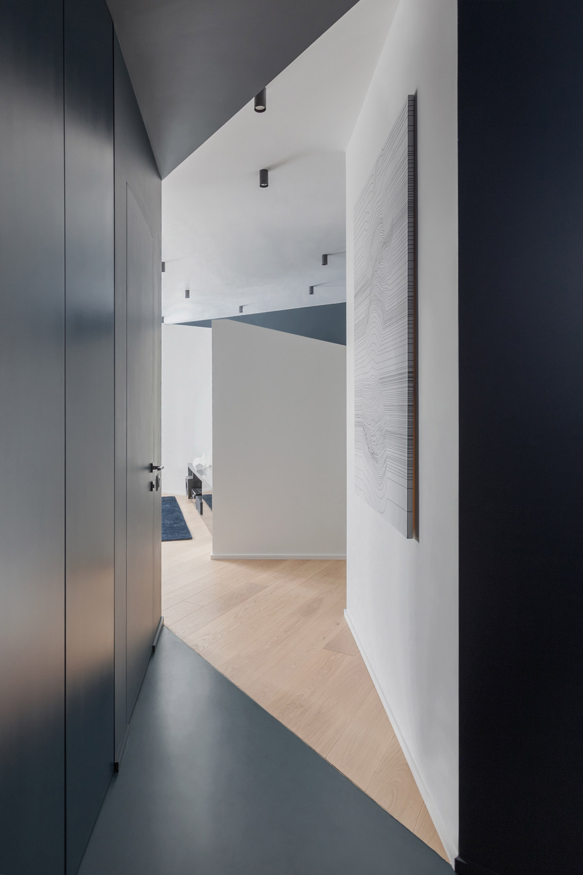 An Apartment With A Complex Geometry images 25