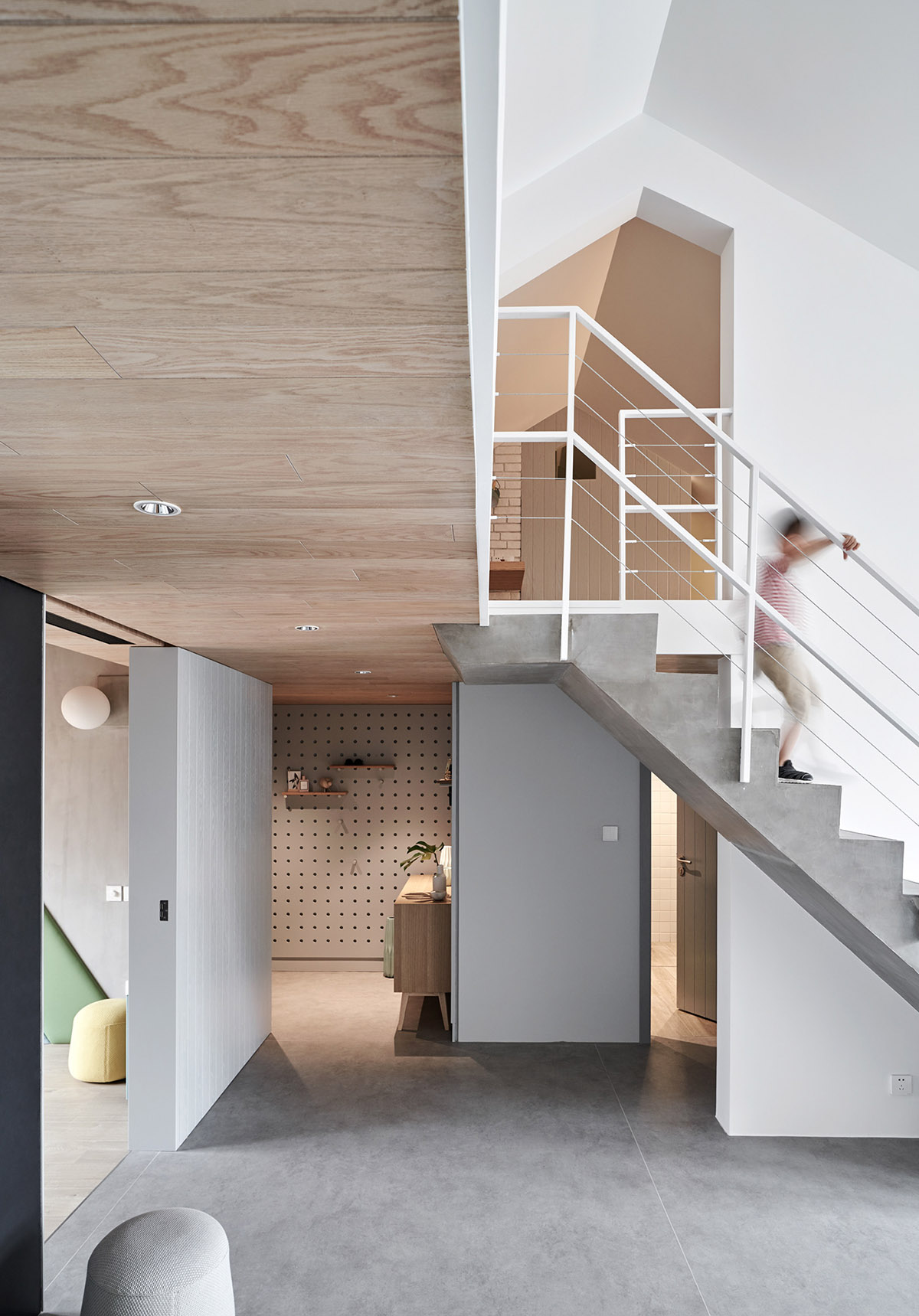 A Bright And Modern Family Home In Beijing images 7