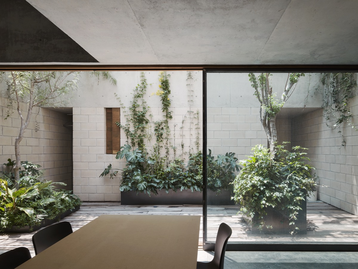 51 Captivating Courtyard Designs That Make Us Go Wow images 33