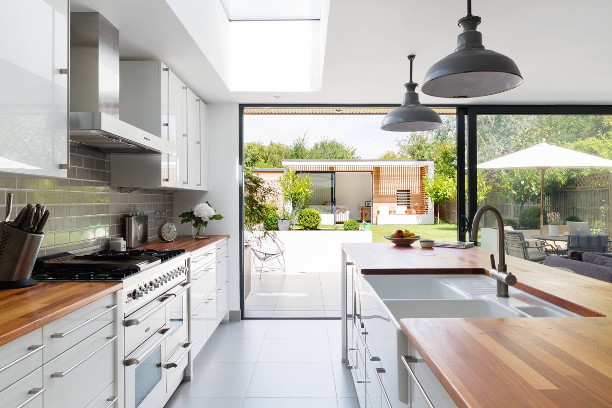 50 Gorgeous Galley Kitchens And Tips You Can Use From Them images 40