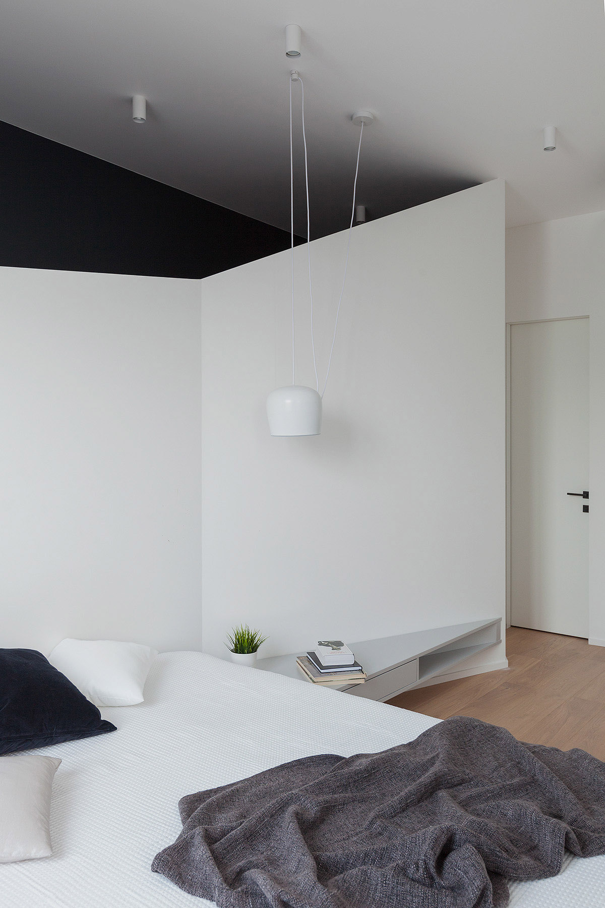 An Apartment With A Complex Geometry images 15