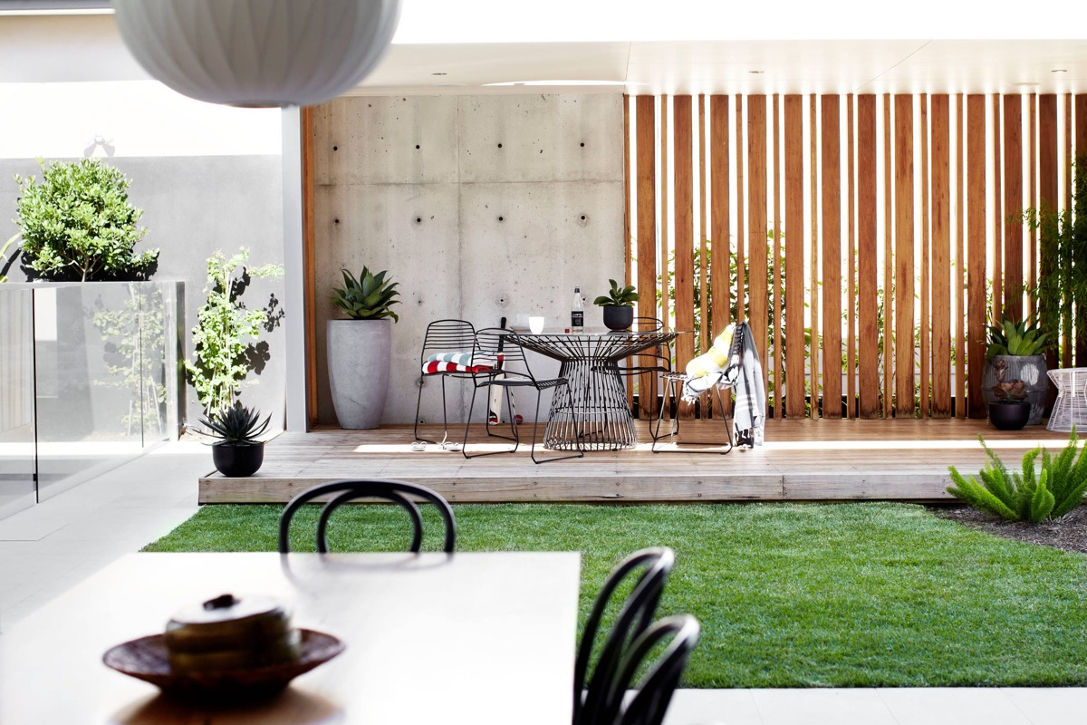 51 Captivating Courtyard Designs That Make Us Go Wow images 7