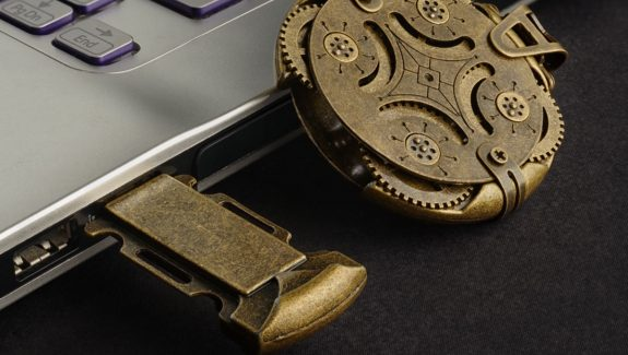Product Of The Week: A Beautiful, Mechanically Locked USB Drive