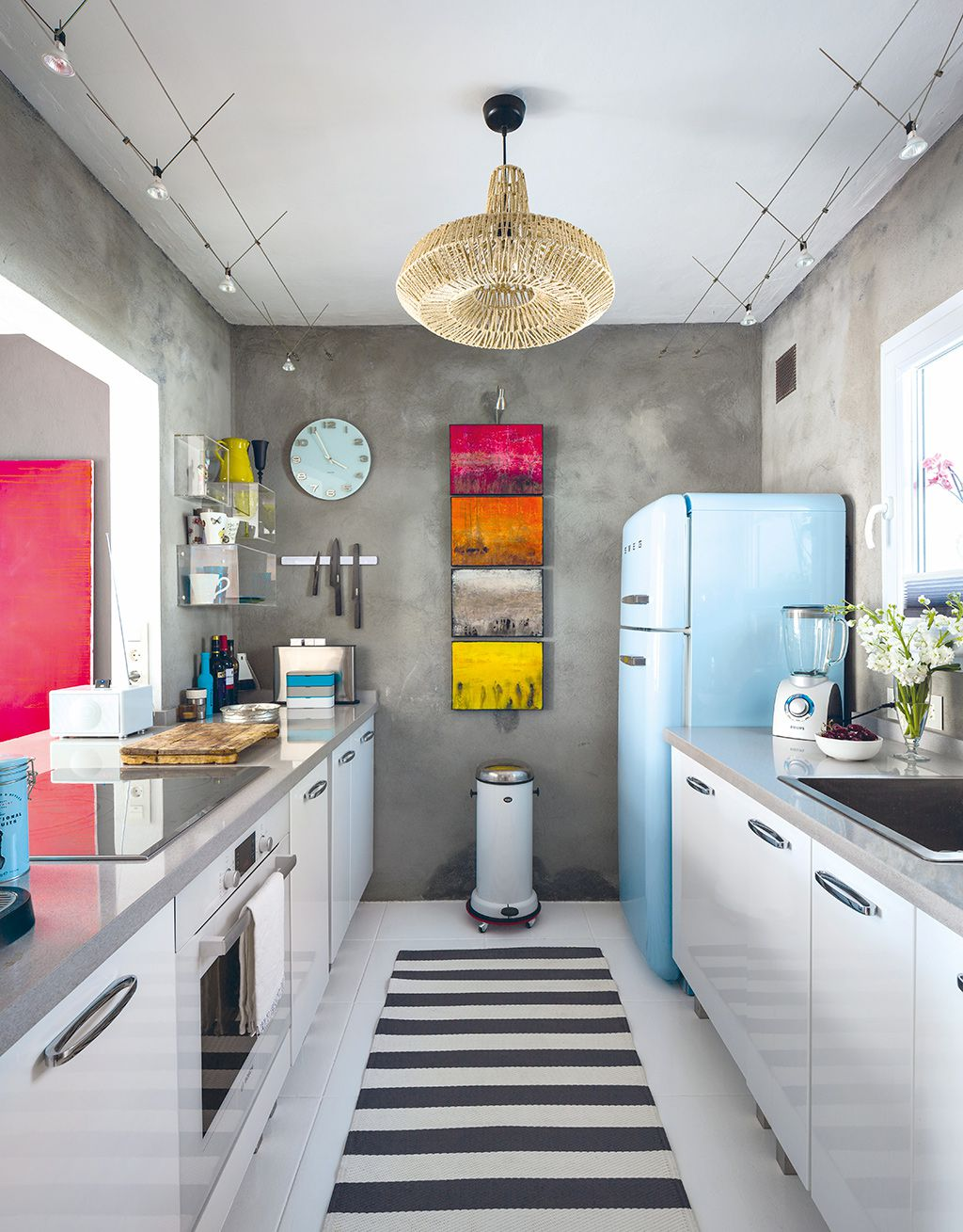 50 Gorgeous Galley Kitchens And Tips You Can Use From Them images 24