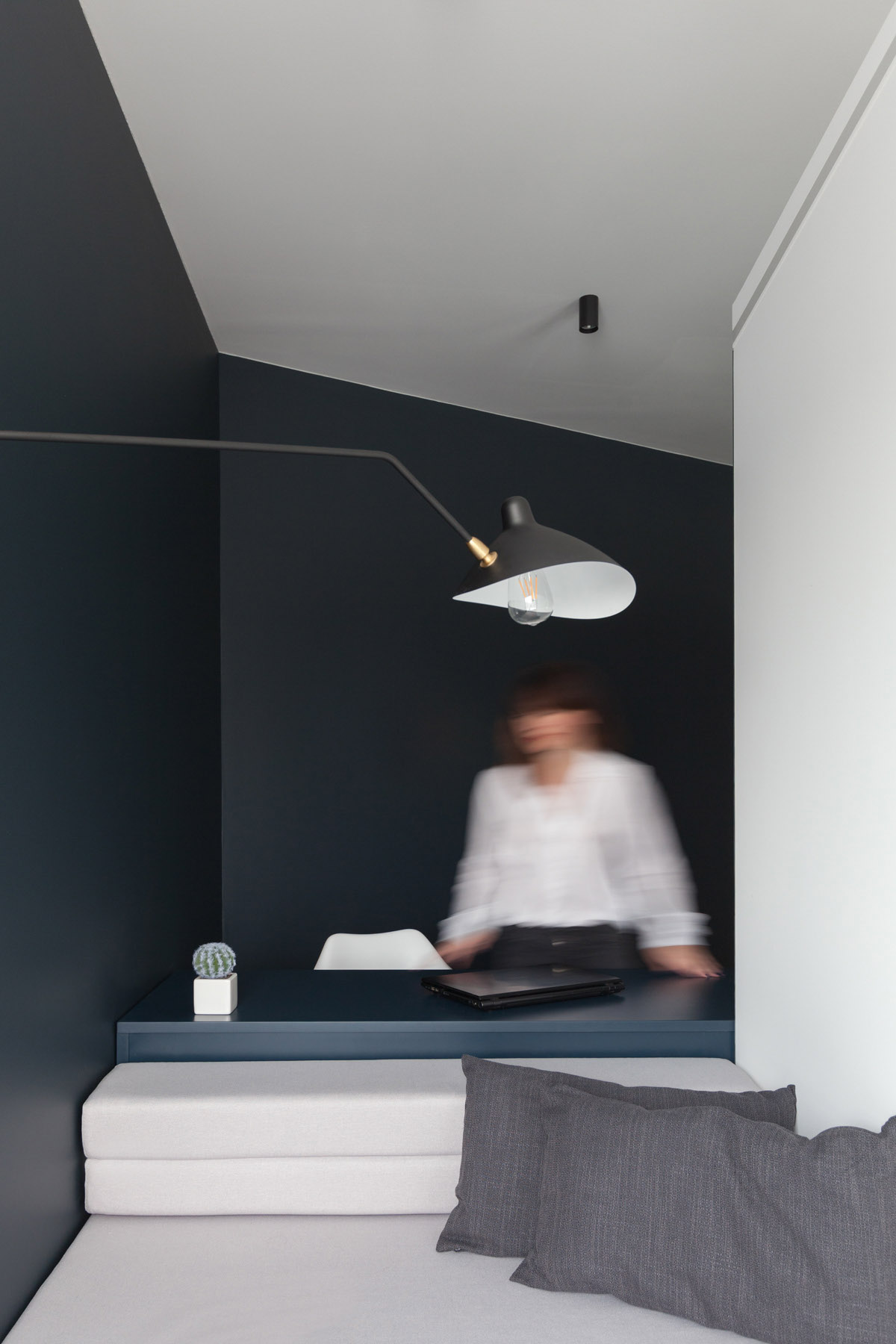 An Apartment With A Complex Geometry images 22