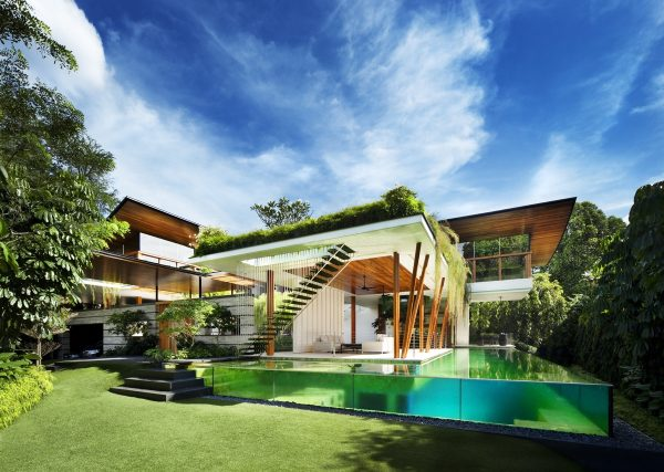 Dynamic Home With Roof Gardens & Water Courtyard