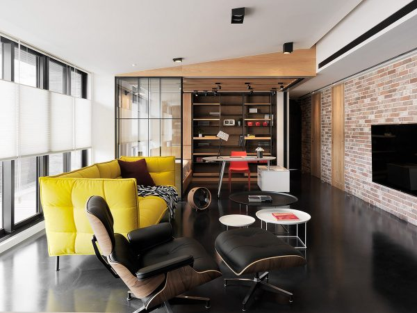 Snazzy Modern Flat With Rustic Meets Industrial Decor