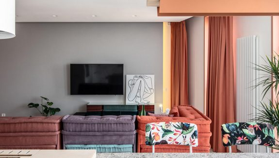 Colorful Bachelorette Pad With Bright Accents