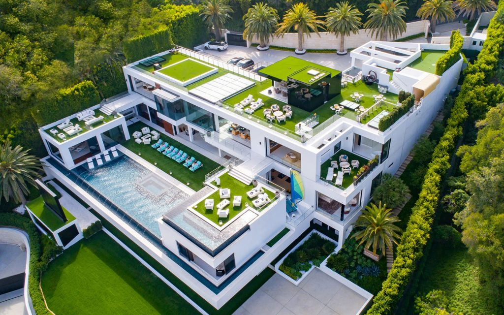 Video of the week: A Mega Mansion For The Insanely Rich