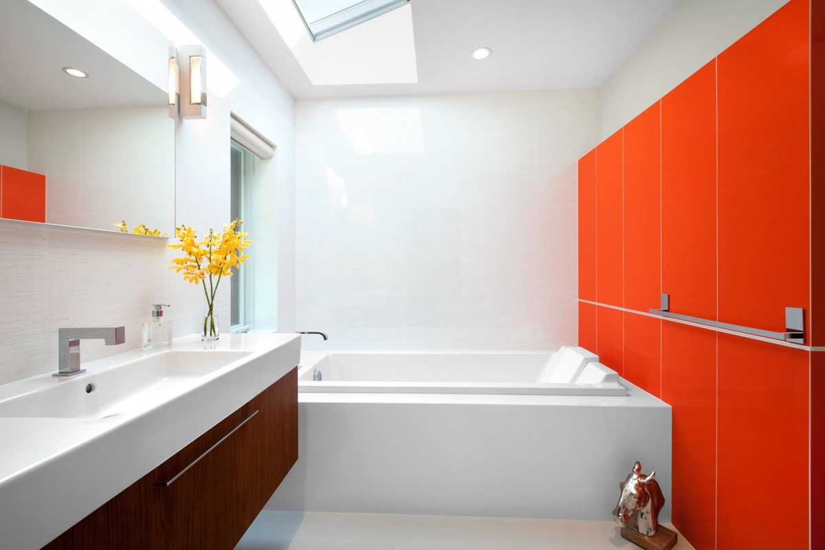 white and red bathroom design
