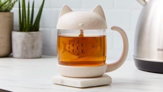 Product Of The Week: A Cute Cat Shaped Tea Infuser Mug