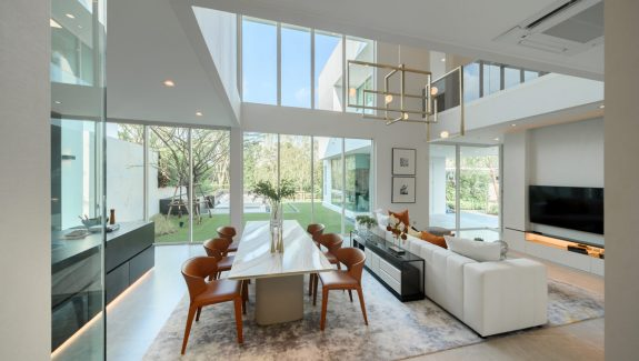 Bringing the Outdoors and Indoors Together in a Private Custom Home