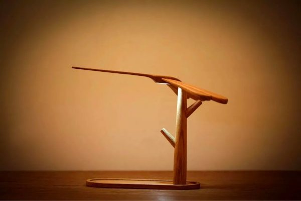 Product Of The Week: A Self Balancing Dragon Fly Shaped Lamp