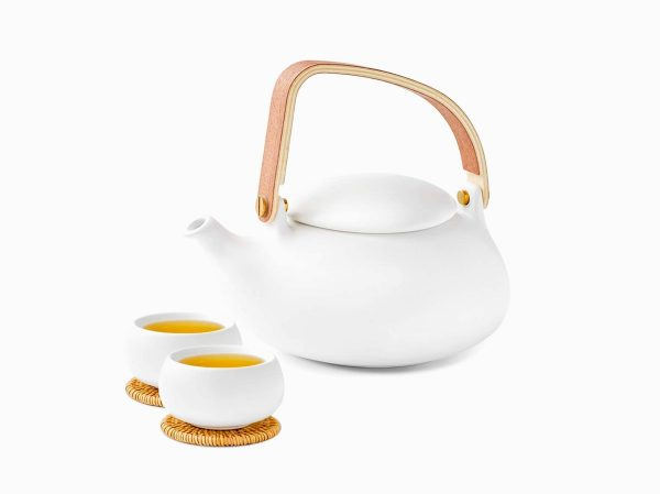 Product Of The Week: A Minimalist Teapot That Oozes Zen