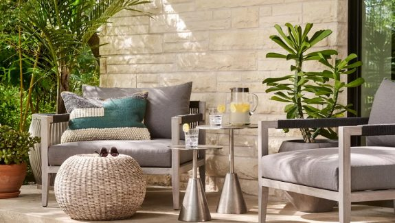 51 Outdoor Side Tables That Will Add Convenience To Your Outdoor Experience
