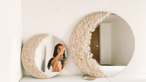 51 Round Mirrors to Reflect Your Face and Your Style