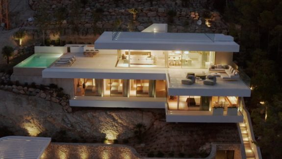 A Modern Waterfront Villa With A Deck To Die For [Video]
