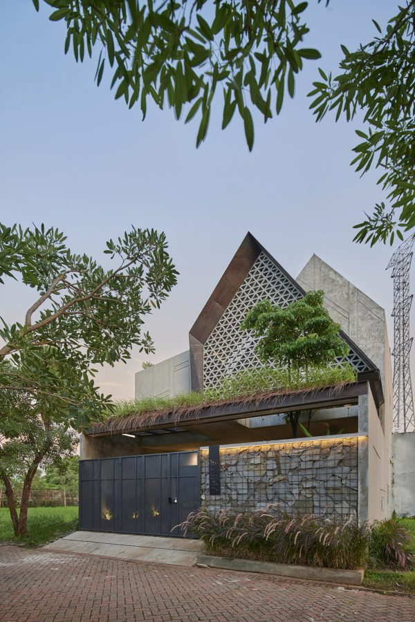 An Indonesian House That Gets Light To Play With Stone And Concrete [Video]