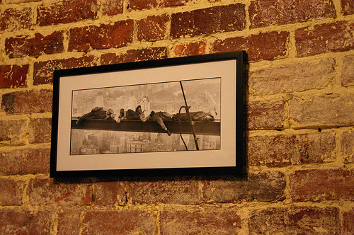 2 spruce up the walls with black and white photos