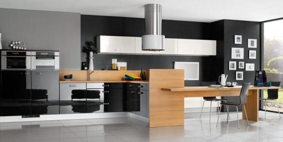 schwarz weiße Küche mit Holz-Akzenten